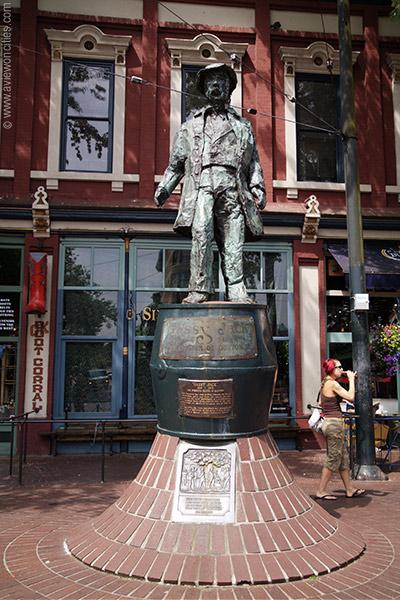 gassy-jack-statue-gastown