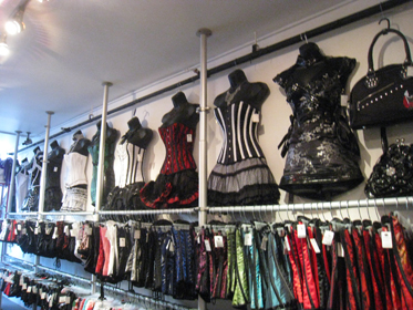 deadly-couture-gastown-shopping