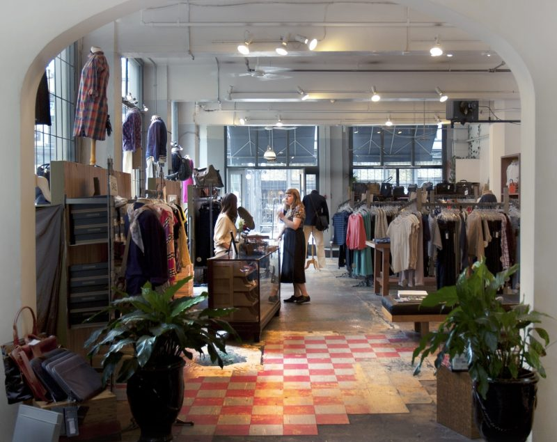 the-block-shopping-in-gastown