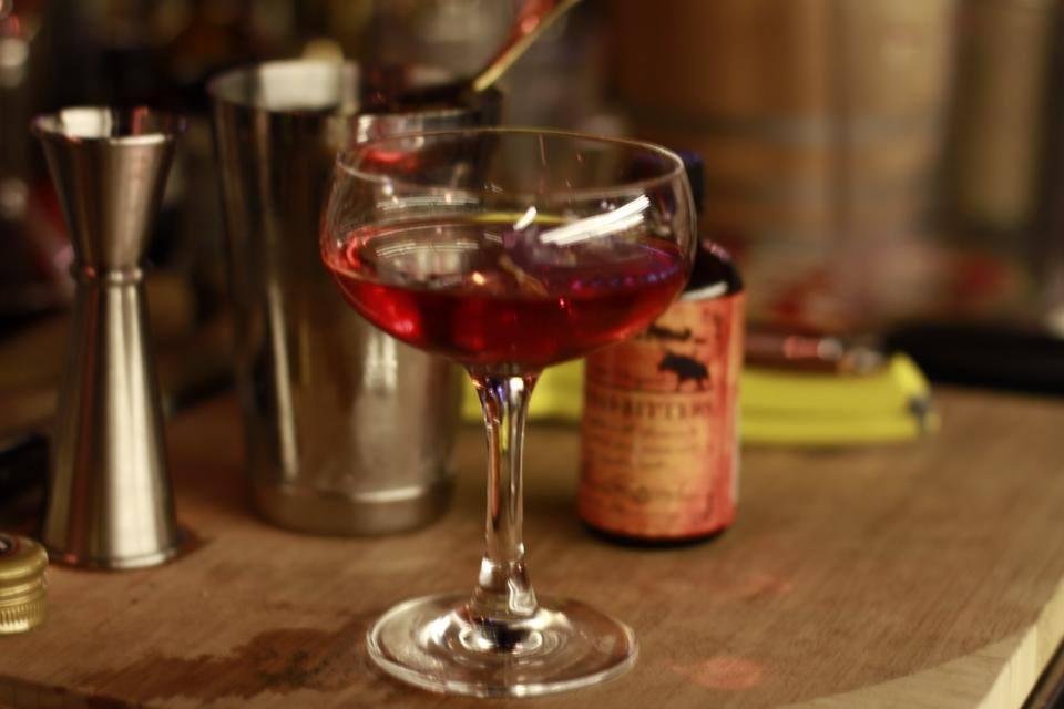 notturno-cocktails-gastown