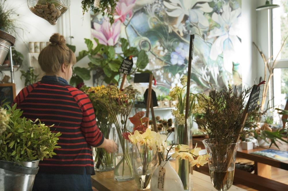 Flower-Shop-Girl-1