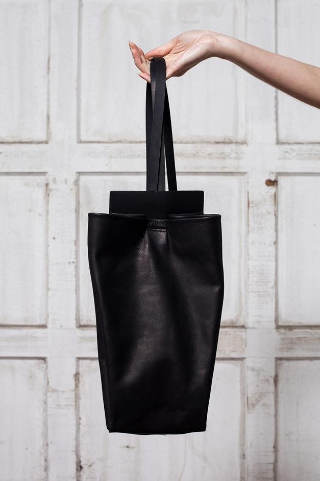 Chiyome Sling Bag